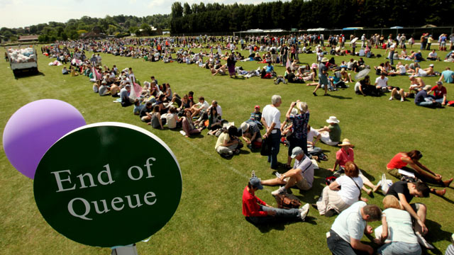 Wimbledon tennis queue